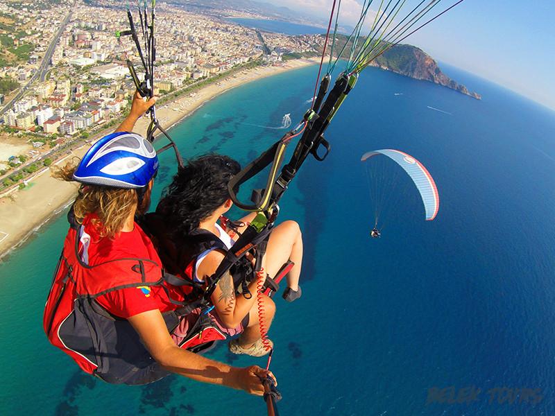 Прыжок с парашютом в Белеке